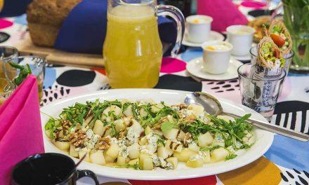 Grillattua päärynää ja sinihomejuustoa